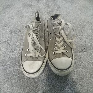 Bundle of two pairs of old converse
